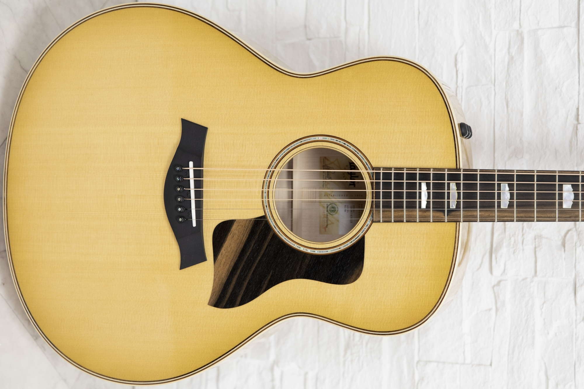 Taylor 618e Antique Blonde Acoustic Guitars From Reidys Home Of Music Uk